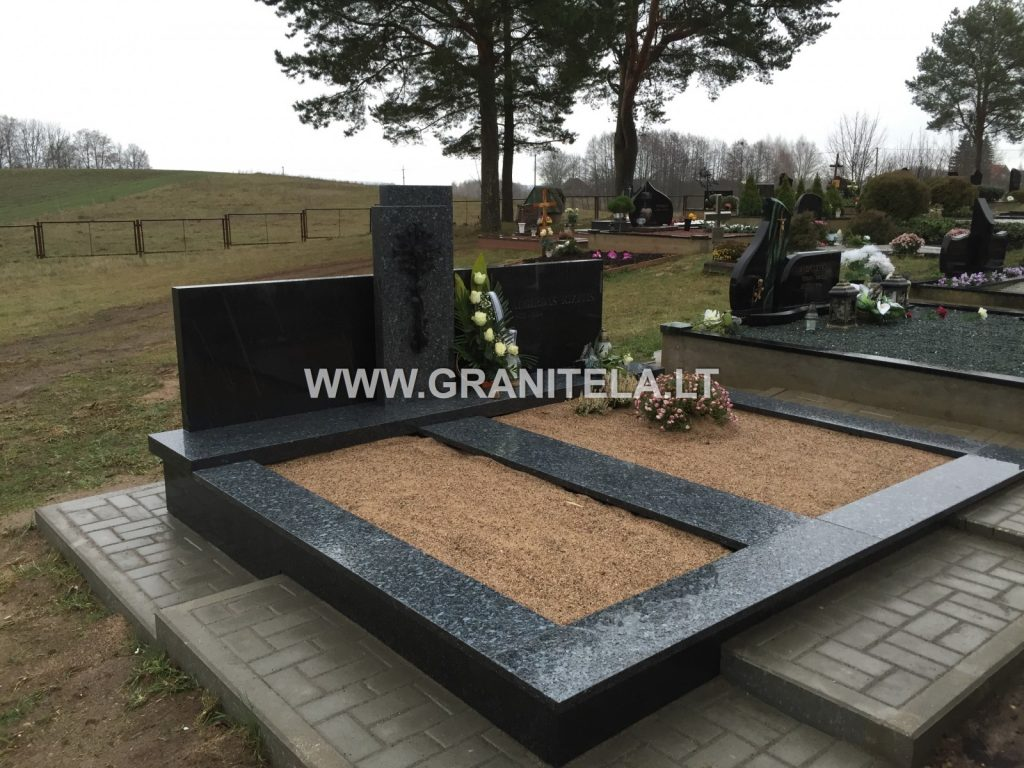 granitela paminklai