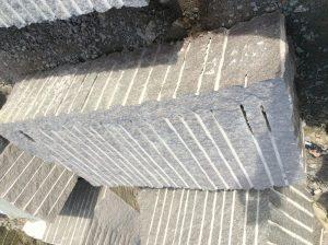 granito akmens blokai